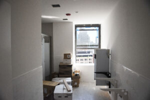 44 east 28th street men's bathroom interior