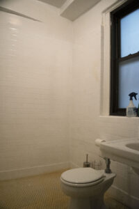 74th & Lex 1C toilet