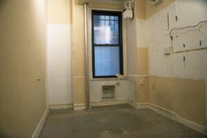 74th & Lex 1C back room